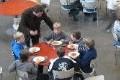 Cantines scolaires : trop de viande imposée dans les menus ?
